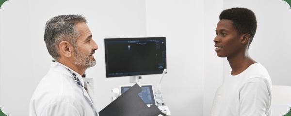 flotogroup doctor treating patient
